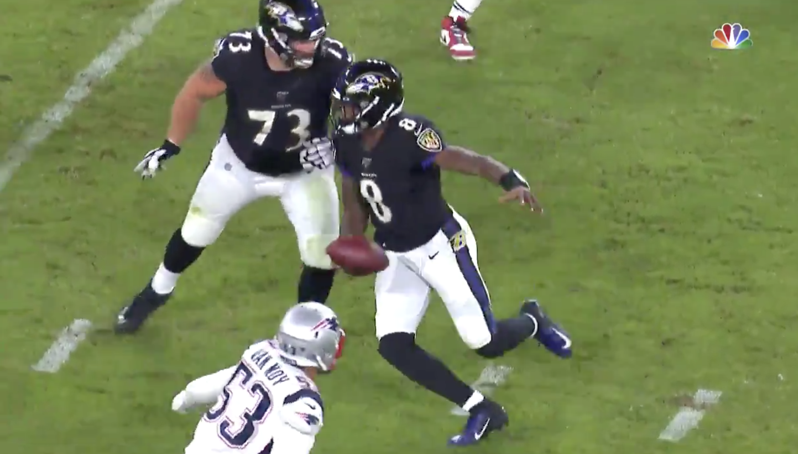Lamar Jackson Makes Patriots Lb Kyle Van Noy Look Silly With Sick Crossover Daily Snark